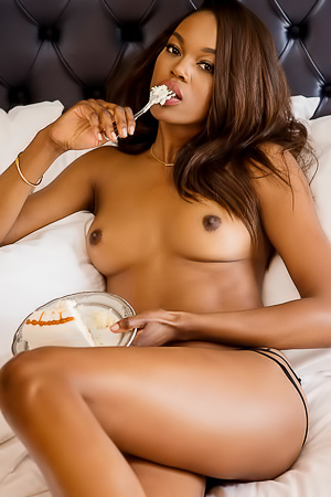Playmate Eugena Washington Ebony Babe
