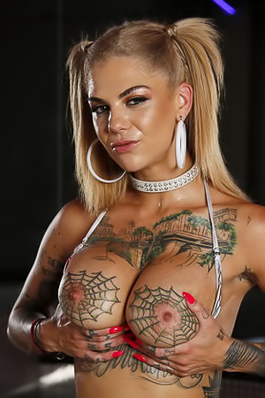 Bonnie Rotten Fucked Deep In Striptease VIP Room