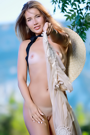 Mary Rock Bare Her Shaved Pussy To The Summer Breeze
